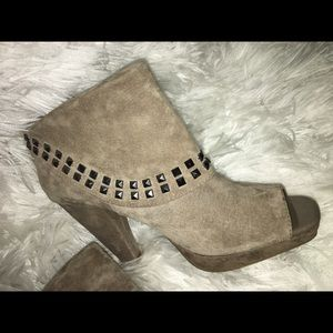 Kenneth Cole Reaction Shoes - Kenneth Cole reaction suede booties 8.5